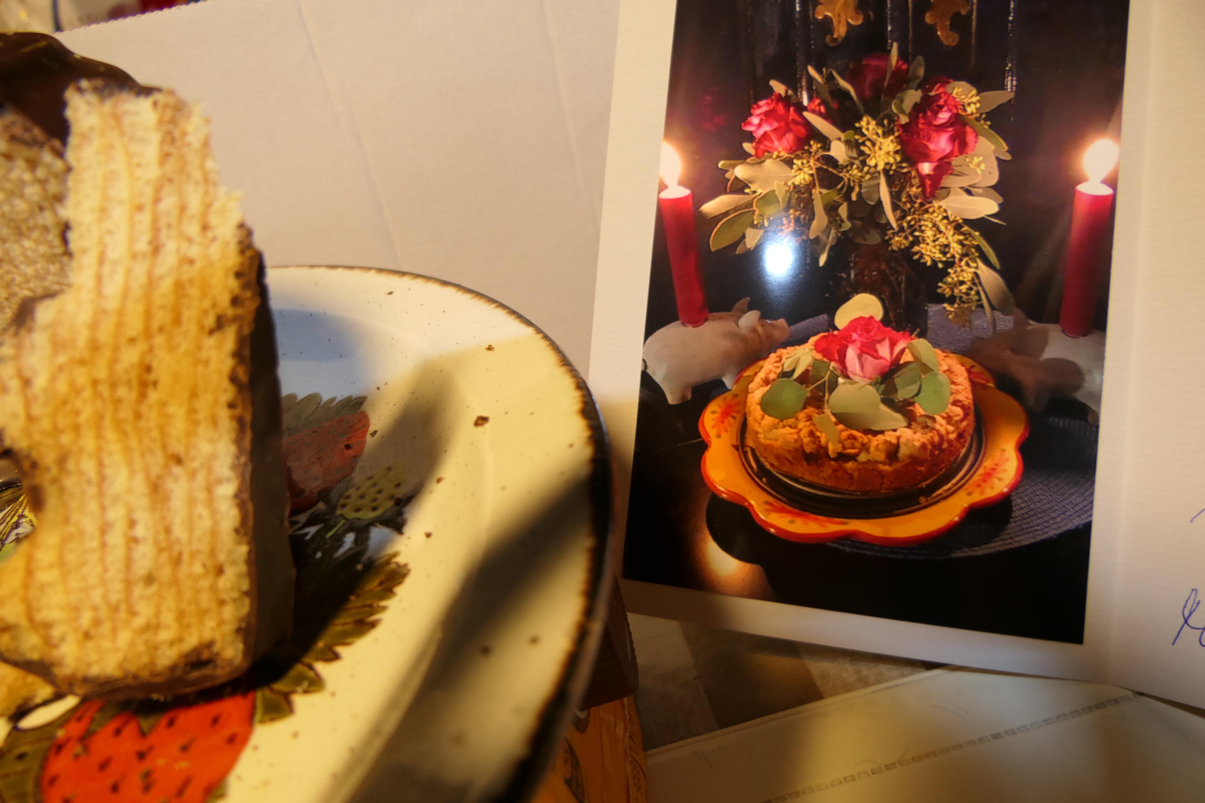 Chocolade cake in laagjes met de zelf gebakken kerstappeltaart van Betty uit Sylt . . .