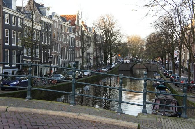 Ik was op zoek naar foto's van houtzaagmolen De Otter en plukt her-en-der wat oude foto's: Amsterdam, Utrecht, Gouda, Marken, Amsterdam en Drenthe ...